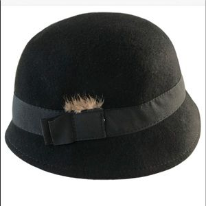 Cloche  100% Wool Black Hat feather detail